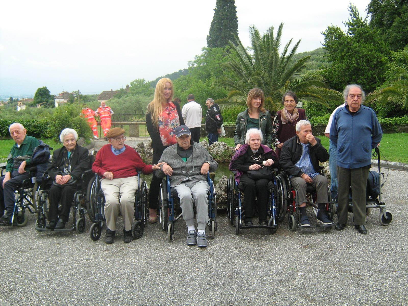 La Limonaia Villa Rospigliosi gli anziani di villa maria assunta in gita a villa